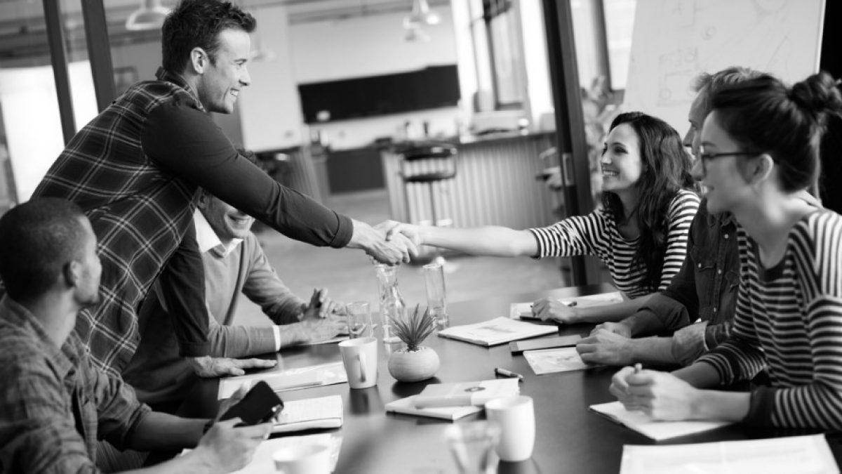 Einarbeitung neuer Mitarbeiter in 20 Phasen [+Checkliste]